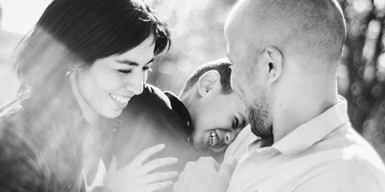Seance photo famille à Arles Avignon et Aimes portrait de famille nombreuse